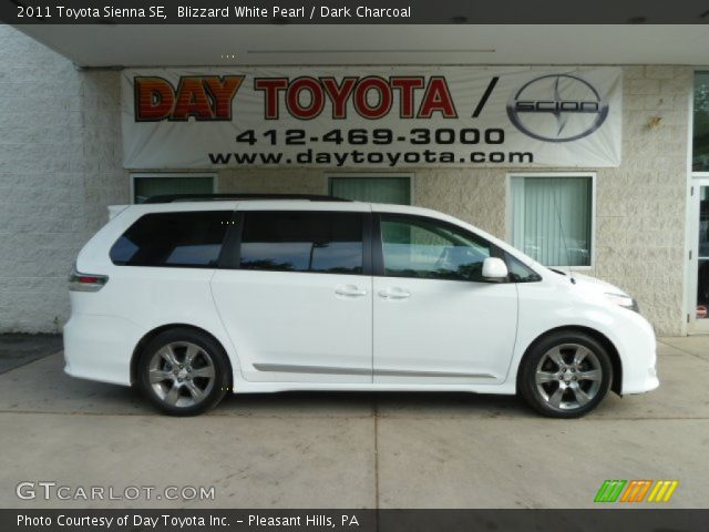 blizzard white pearl 2011 toyota sienna se dark. Black Bedroom Furniture Sets. Home Design Ideas