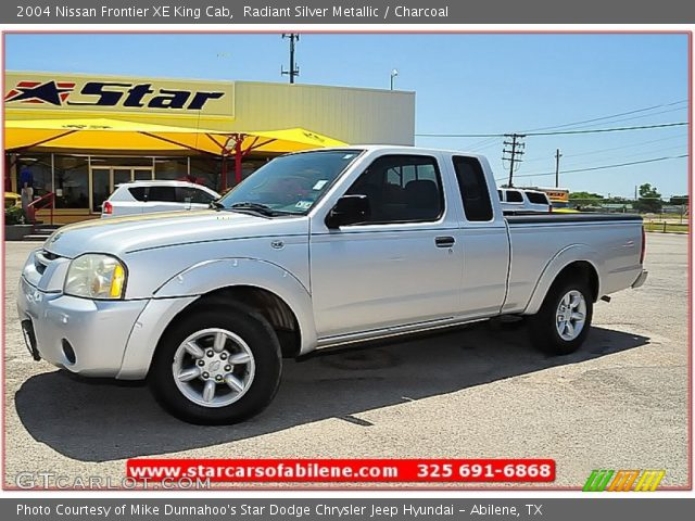 radiant silver metallic 2004 nissan frontier xe king cab charcoal interior. Black Bedroom Furniture Sets. Home Design Ideas