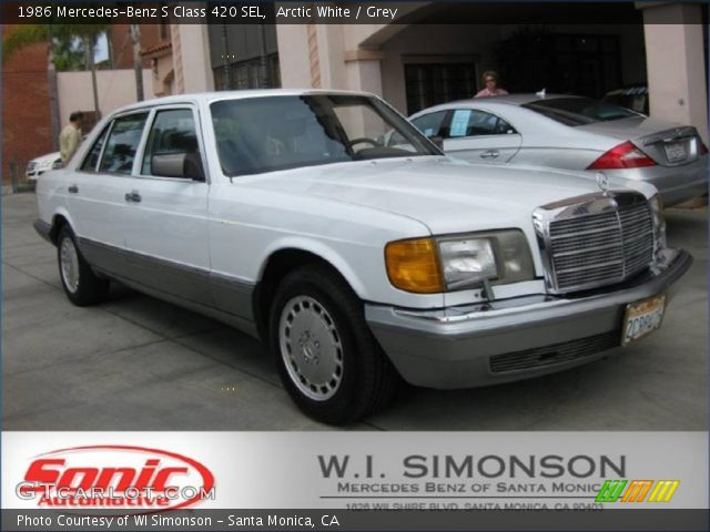 1986 Mercedes-Benz S Class 420 SEL in Arctic White