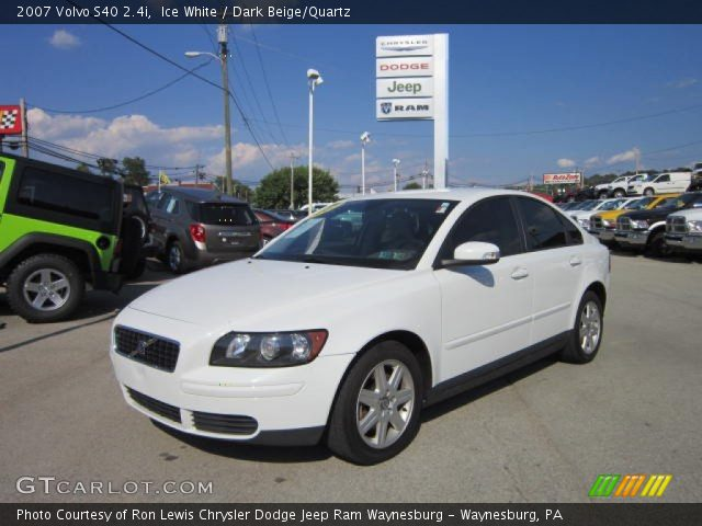 ice white 2007 volvo s40 dark beige quartz. Black Bedroom Furniture Sets. Home Design Ideas