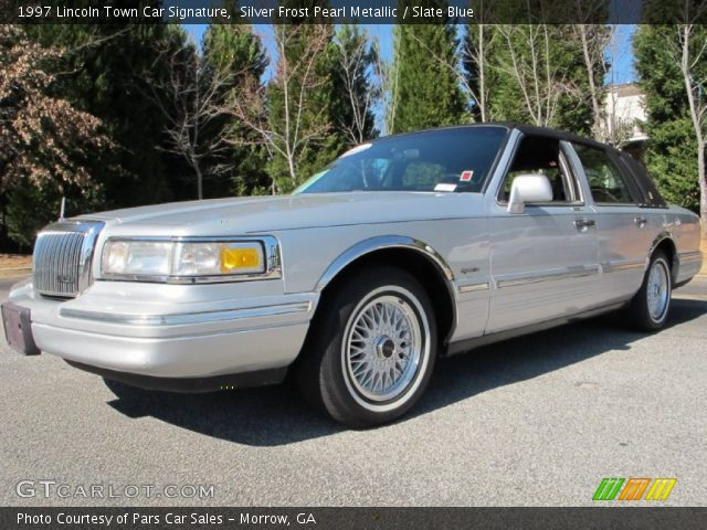 silver frost pearl metallic 1997 lincoln town car signature slate blue interior gtcarlot. Black Bedroom Furniture Sets. Home Design Ideas