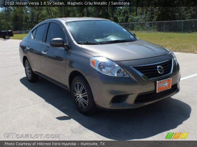 magnetic gray metallic 2012 nissan versa 1 6 sv sedan sandstone interior. Black Bedroom Furniture Sets. Home Design Ideas
