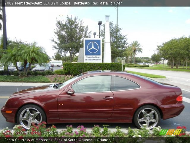 Bordeaux red metallic 2002 mercedes benz clk 320 coupe for Mercedes benz clk 2002