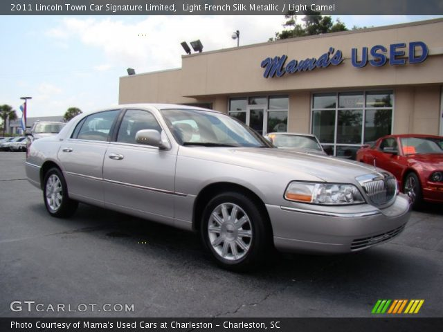 Light French Silk Metallic 2011 Lincoln Town Car Signature Limited Light Camel Interior
