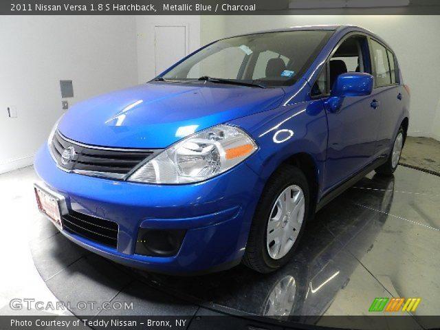 metallic blue 2011 nissan versa 1 8 s hatchback charcoal interior vehicle. Black Bedroom Furniture Sets. Home Design Ideas