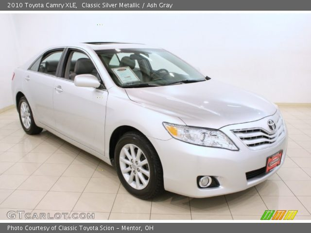 classic silver metallic 2010 toyota camry xle ash gray. Black Bedroom Furniture Sets. Home Design Ideas