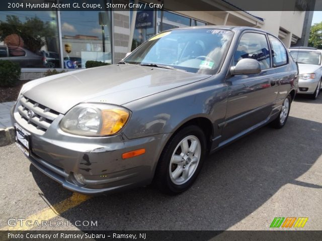 stormy gray 2004 hyundai accent gl coupe gray interior. Black Bedroom Furniture Sets. Home Design Ideas