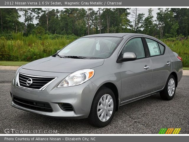 magnetic gray metallic 2012 nissan versa 1 6 sv sedan charcoal interior. Black Bedroom Furniture Sets. Home Design Ideas