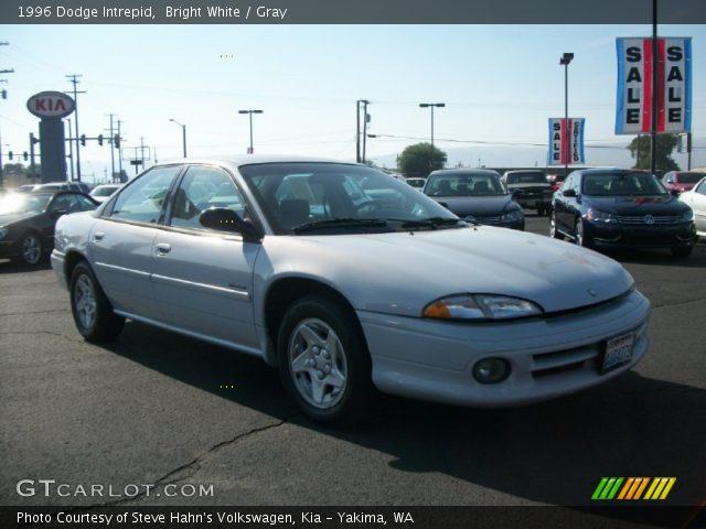1996 Dodge Intrepid in Bright
