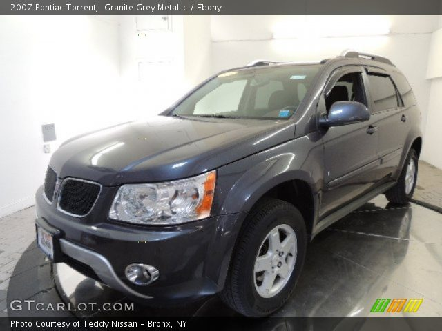 Granite grey metallic 2007 pontiac torrent ebony for Inside 2007 torrent