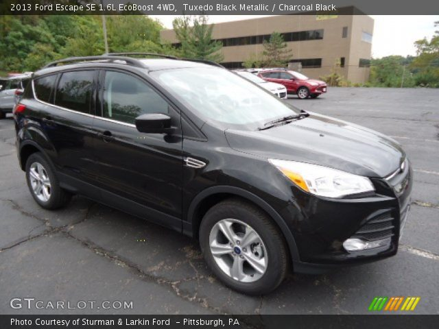 tuxedo black metallic 2013 ford escape se 1 6l ecoboost 4wd charcoal black interior. Black Bedroom Furniture Sets. Home Design Ideas