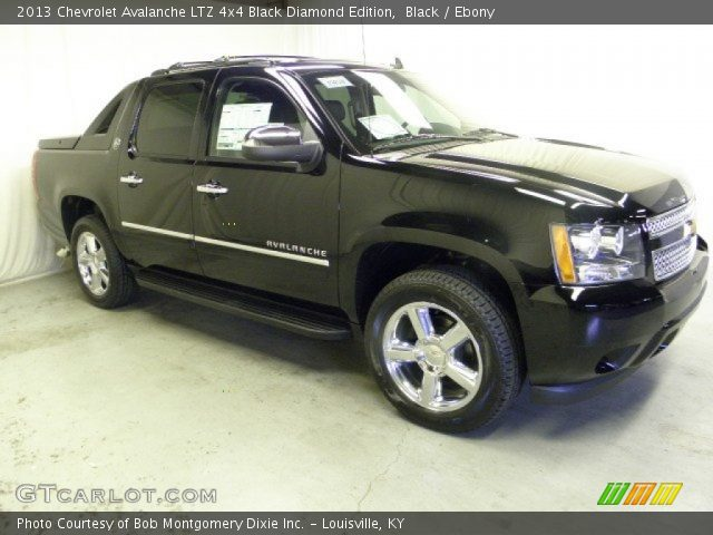 black 2013 chevrolet avalanche ltz 4x4 black diamond edition ebony interior. Black Bedroom Furniture Sets. Home Design Ideas