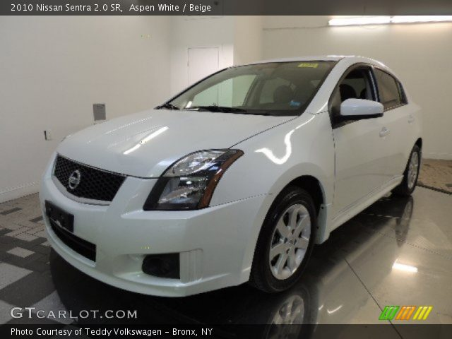 aspen white 2010 nissan sentra 2 0 sr beige interior vehicle archive 72347259. Black Bedroom Furniture Sets. Home Design Ideas