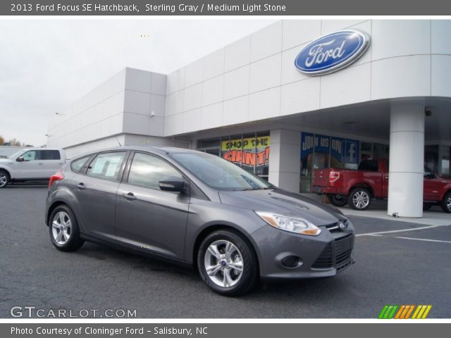 sterling gray 2013 ford focus se hatchback medium light stone interior. Black Bedroom Furniture Sets. Home Design Ideas