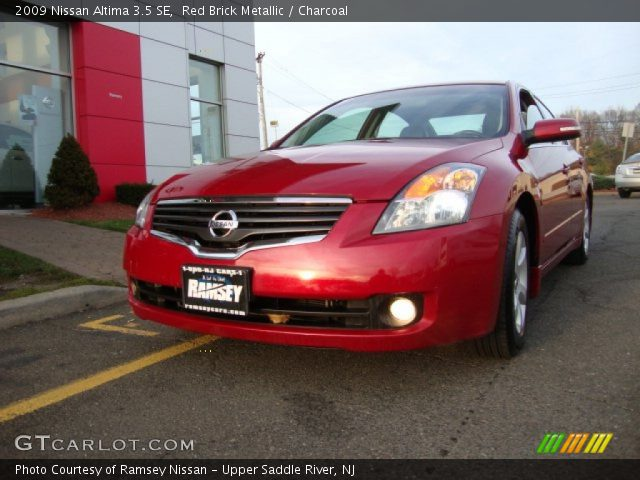 red brick metallic 2009 nissan altima 3 5 se charcoal interior vehicle. Black Bedroom Furniture Sets. Home Design Ideas