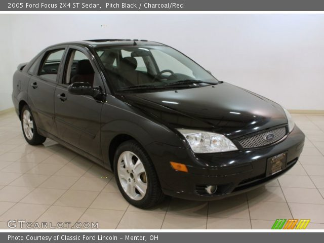 pitch black 2005 ford focus zx4 st sedan charcoal red interior vehicle. Black Bedroom Furniture Sets. Home Design Ideas