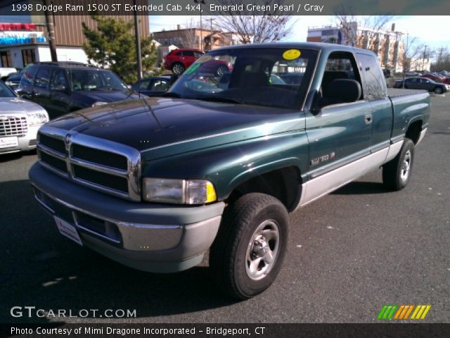 emerald green pearl 1998 dodge ram 1500 st extended cab 4x4 gray interior. Black Bedroom Furniture Sets. Home Design Ideas