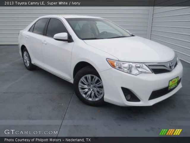 super white 2013 toyota camry le ivory interior vehicle archive 76928926. Black Bedroom Furniture Sets. Home Design Ideas
