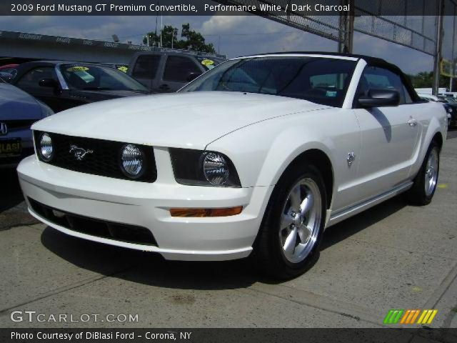 performance white 2009 ford mustang gt premium convertible dark charcoal interior gtcarlot. Black Bedroom Furniture Sets. Home Design Ideas