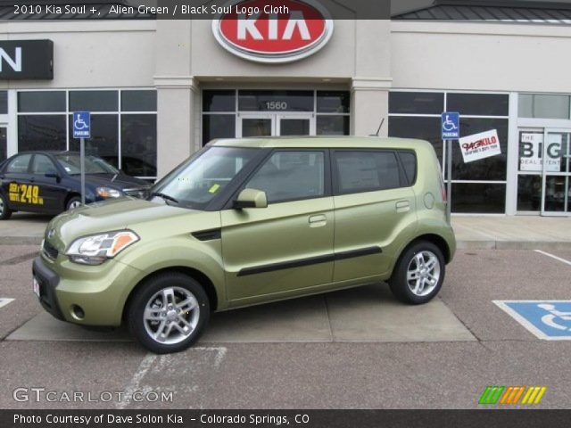 2010 Kia Soul + in Alien Green