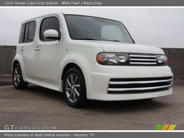 White Pearl 2010 Nissan Cube Krom Edition Blackgray Interior