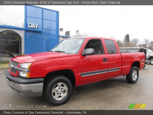 victory red 2004 chevrolet silverado 1500 lt extended cab 4x4 dark charcoal interior. Black Bedroom Furniture Sets. Home Design Ideas