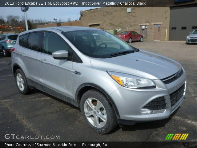 ingot silver metallic 2013 ford escape se 1 6l ecoboost 4wd charcoal black interior. Black Bedroom Furniture Sets. Home Design Ideas