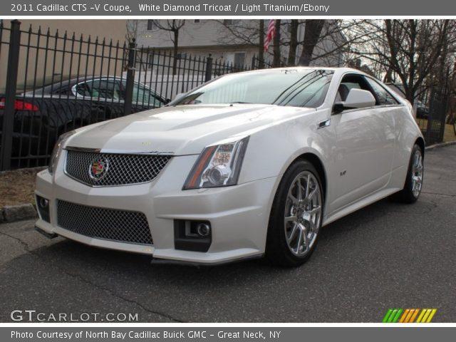 White Diamond Tricoat 2011 Cadillac Cts V Coupe Light