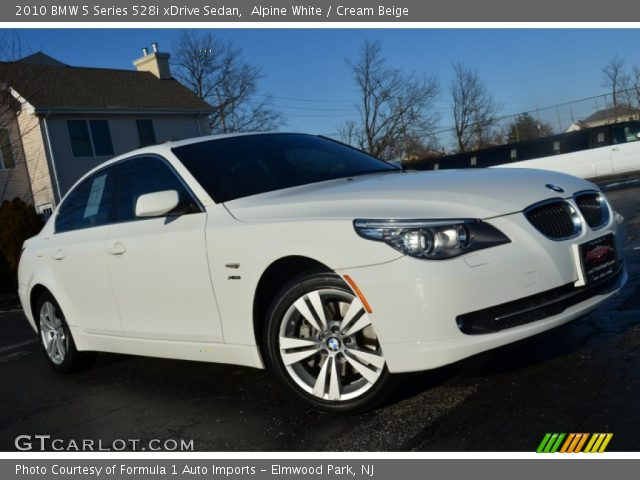 2010 BMW 5 Series 528i xDrive Sedan in Alpine White