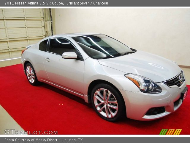 brilliant silver 2011 nissan altima 3 5 sr coupe. Black Bedroom Furniture Sets. Home Design Ideas