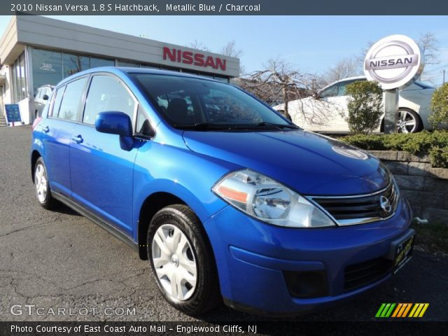 metallic blue 2010 nissan versa 1 8 s hatchback. Black Bedroom Furniture Sets. Home Design Ideas