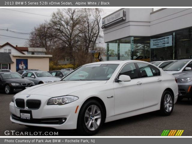 alpine white 2013 bmw 5 series 528i xdrive sedan black interior vehicle. Black Bedroom Furniture Sets. Home Design Ideas