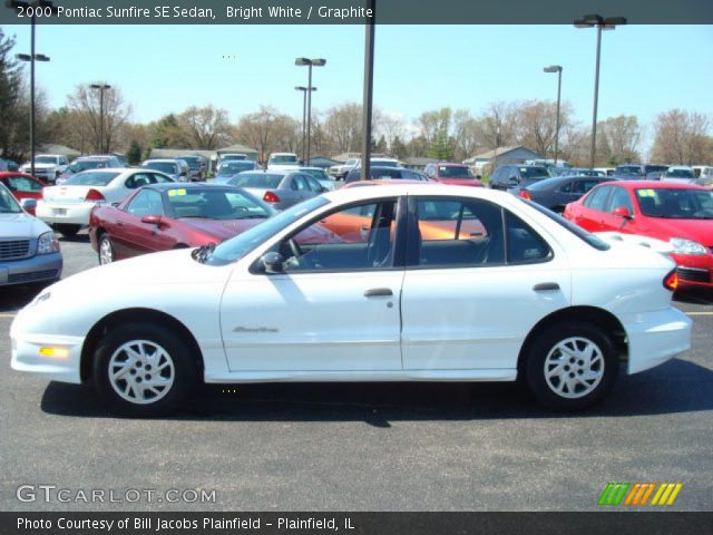 bright white 2000 pontiac sunfire se sedan graphite. Black Bedroom Furniture Sets. Home Design Ideas