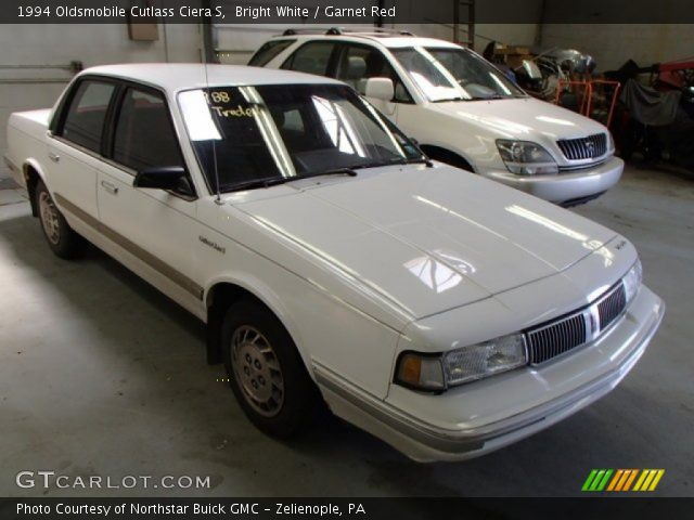 1994 Oldsmobile Cutlass Ciera S in Bright White