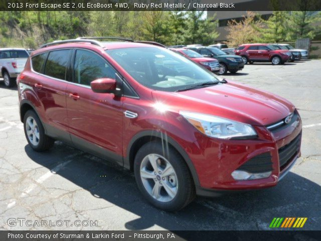ruby red metallic 2013 ford escape se 2 0l ecoboost 4wd charcoal black interior gtcarlot. Black Bedroom Furniture Sets. Home Design Ideas