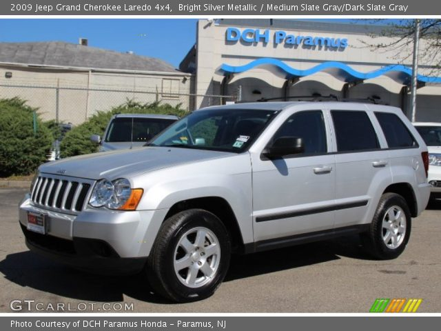 bright silver metallic 2009 jeep grand cherokee laredo 4x4 medium slate gray dark slate gray. Black Bedroom Furniture Sets. Home Design Ideas