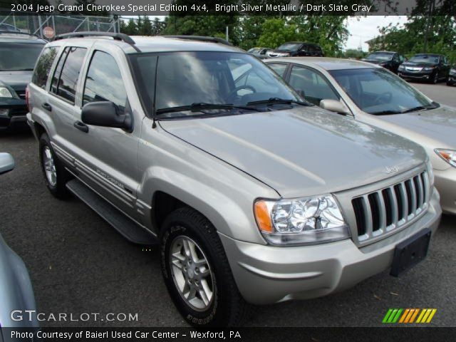 bright silver metallic 2004 jeep grand cherokee special edition 4x4 dark slate gray interior. Black Bedroom Furniture Sets. Home Design Ideas
