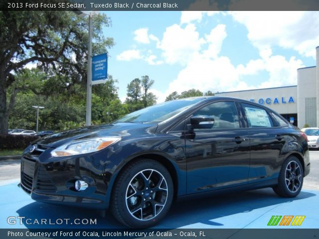 Tuxedo Black - 2013 Ford Focus SE Sedan - Charcoal Black ...