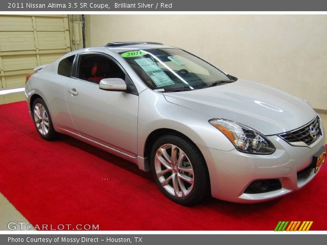 brilliant silver 2011 nissan altima 3 5 sr coupe red. Black Bedroom Furniture Sets. Home Design Ideas