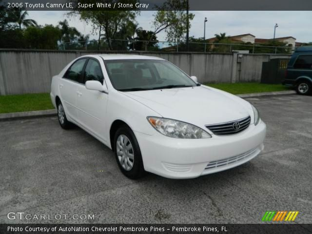 super white 2006 toyota camry le stone gray interior vehicle archive 82161286. Black Bedroom Furniture Sets. Home Design Ideas