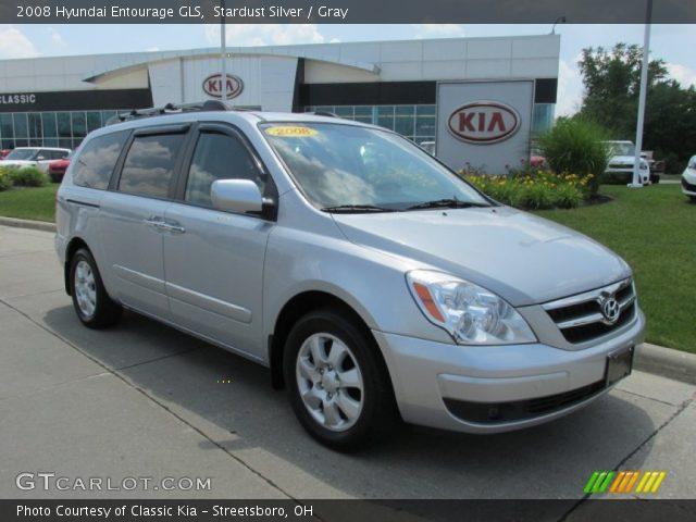 2008 Hyundai Entourage GLS in Stardust Silver