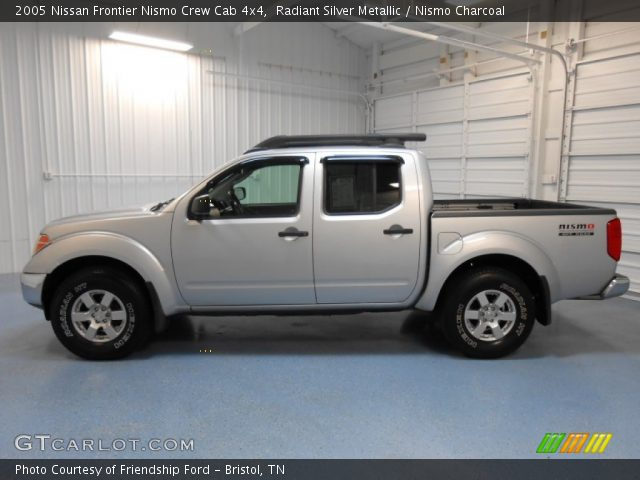 Radiant Silver Metallic 2005 Nissan Frontier Nismo Crew Cab 4x4 Nismo Charcoal Interior