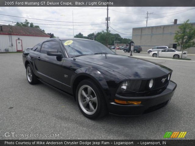 black 2005 ford mustang gt deluxe coupe light graphite. Black Bedroom Furniture Sets. Home Design Ideas
