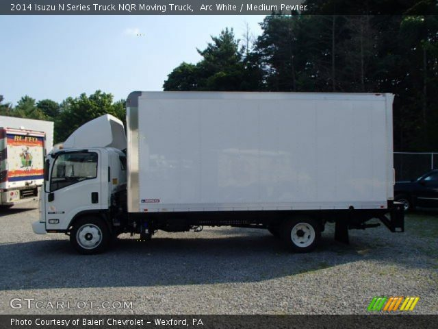 2014 Isuzu N Series Truck NQR Moving Truck in Arc White