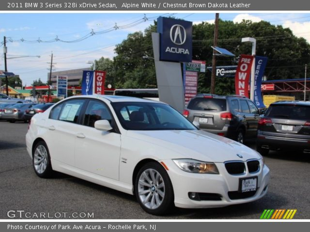 2011 BMW 3 Series 328i xDrive Sedan in Alpine White