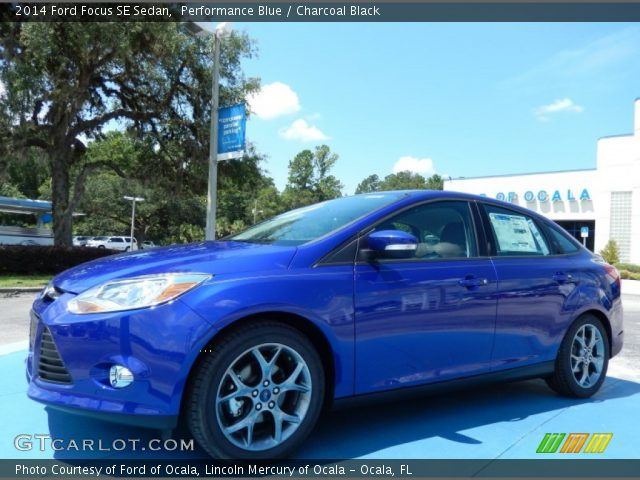 performance blue 2014 ford focus se sedan charcoal black interior vehicle. Black Bedroom Furniture Sets. Home Design Ideas