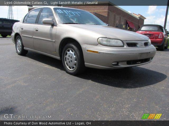 1998 Oldsmobile Cutlass GL in Light Sandrift Metallic
