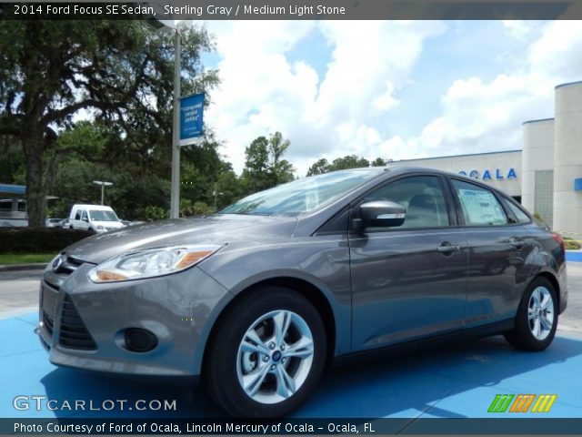 2014 Ford Focus SE Sedan in Sterling Gray