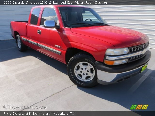 1999 Chevrolet Silverado 1500 LS Extended Cab in Victory Red