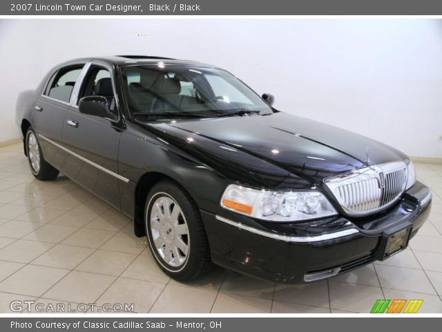 2007 Lincoln Town Car Designer in Black